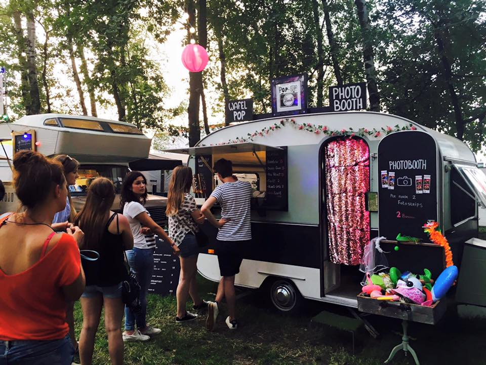 photo caravan pop-up booth