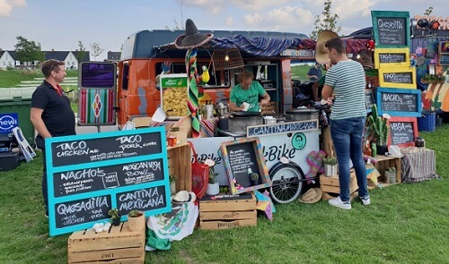 foodtruck openlucht outdoor