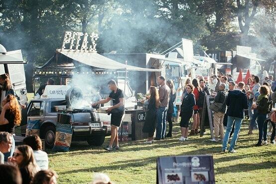 foodtrucks op een festival
